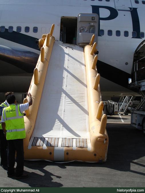 Escape Slide Raft Ap-bgg Escape Slide Incident