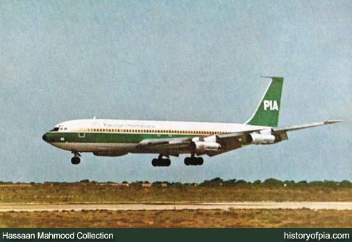 PIA Boeing 707 Postcard